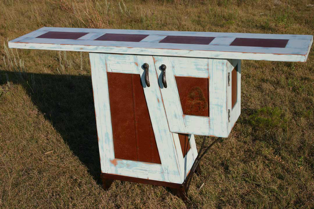 Packsaddle Table