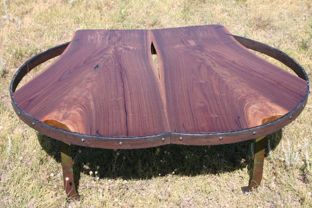 Heart Ring Table