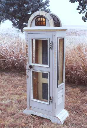 Willow Creek Lantern Cabinet