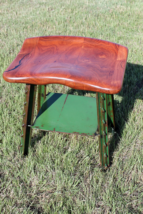Short T-Bone Stool / Mesquite and green
